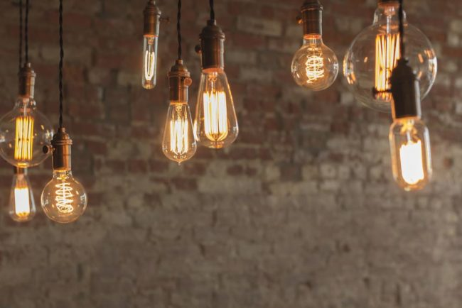 Choose-the-Right-Bulb-for-the-Perfect-Glow